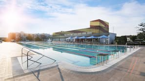 4 indoor pools, 3 outdoor pools, sun loungers