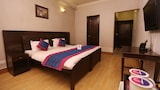Crown Stay - Gurgaon Hotels