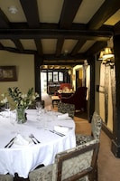 The Crown Inn Chiddingfold (3 of 39)