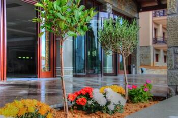 Grand Meteora Hotel Kalambaka 2019 Room Prices Reviews Travelocity