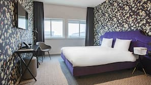 Premium bedding, in-room safe, individually decorated, desk