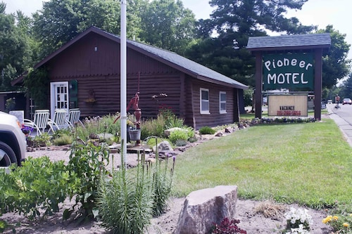 Check Expedia for Availability of Augusta Pioneer Motel