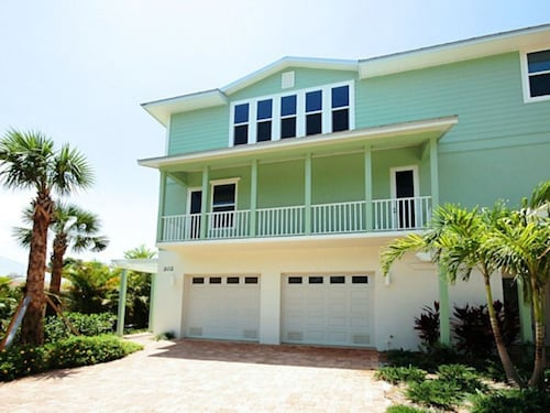 SeaBreeze Sands by RedAwning