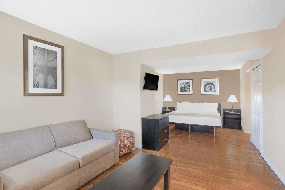 Hawthorn Suites by Wyndham Manchester Hartford: 2018 Room Prices ...