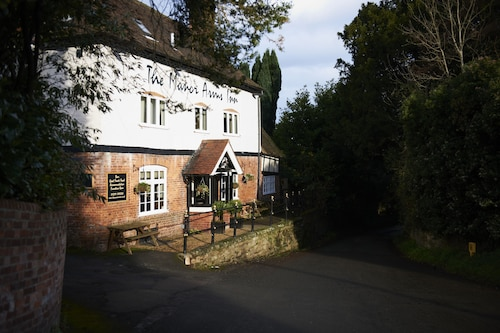 The Manor Arms Inn