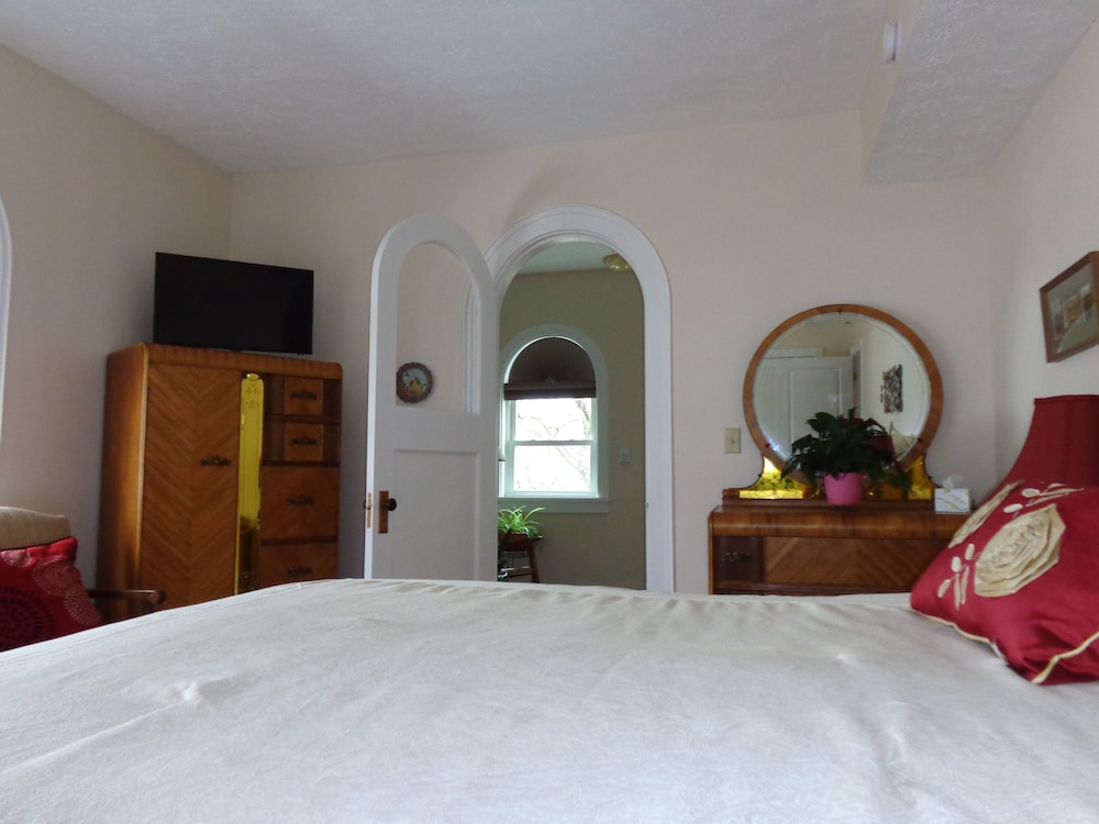 Fox Castle Bed And Breakfast Connellsville Pa