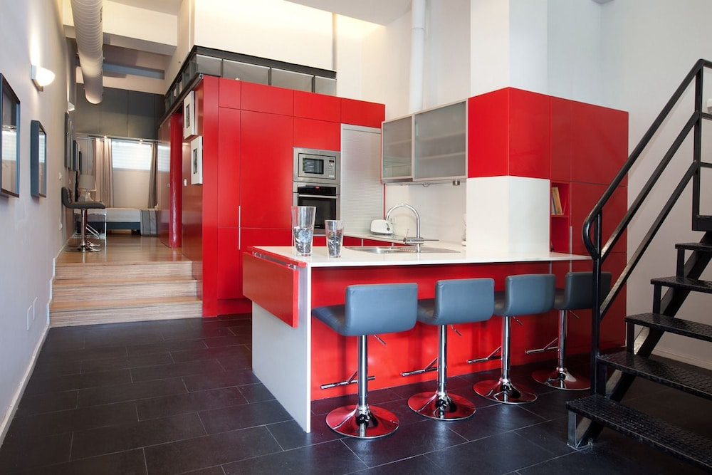 Private Kitchen, Alcam Futbol