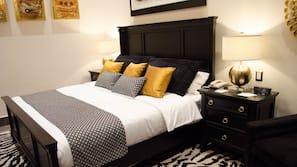 Caja fuerte, escritorio, tabla de planchar con plancha