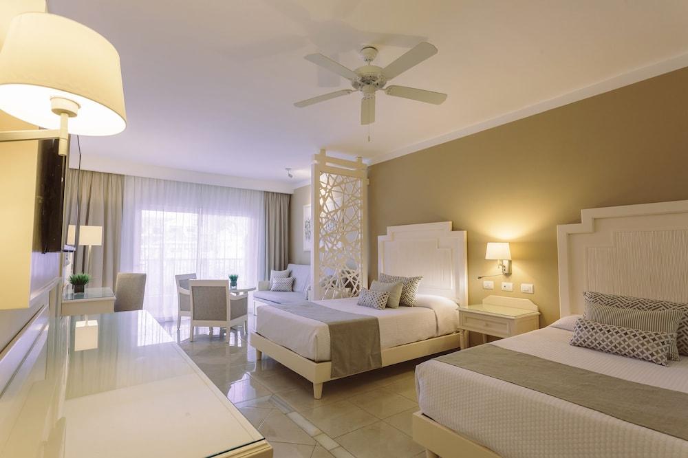 Luxury bahia principe fantasia all inclusive 2018 room for Hotel luxury bahia principe fantasia