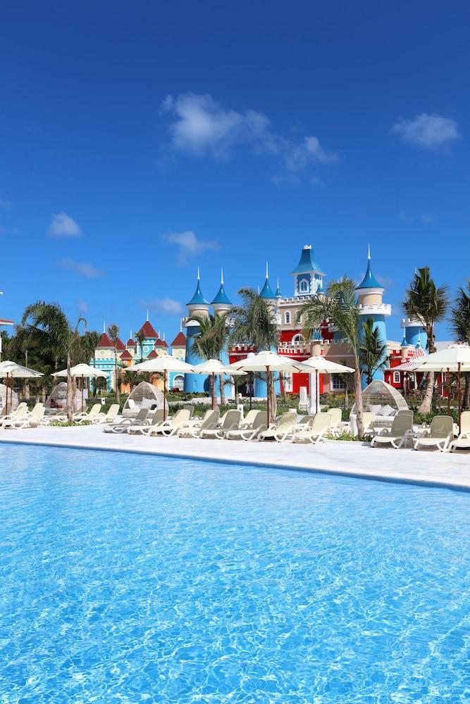 Luxury bahia principe fantasia all inclusive reviews for Hotel luxury bahia principe fantasia
