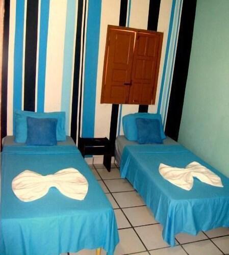 vila do porto chat rooms Pousada pedras secas - pousada pedras secas is an apartment only 19 km from santo antonio port.