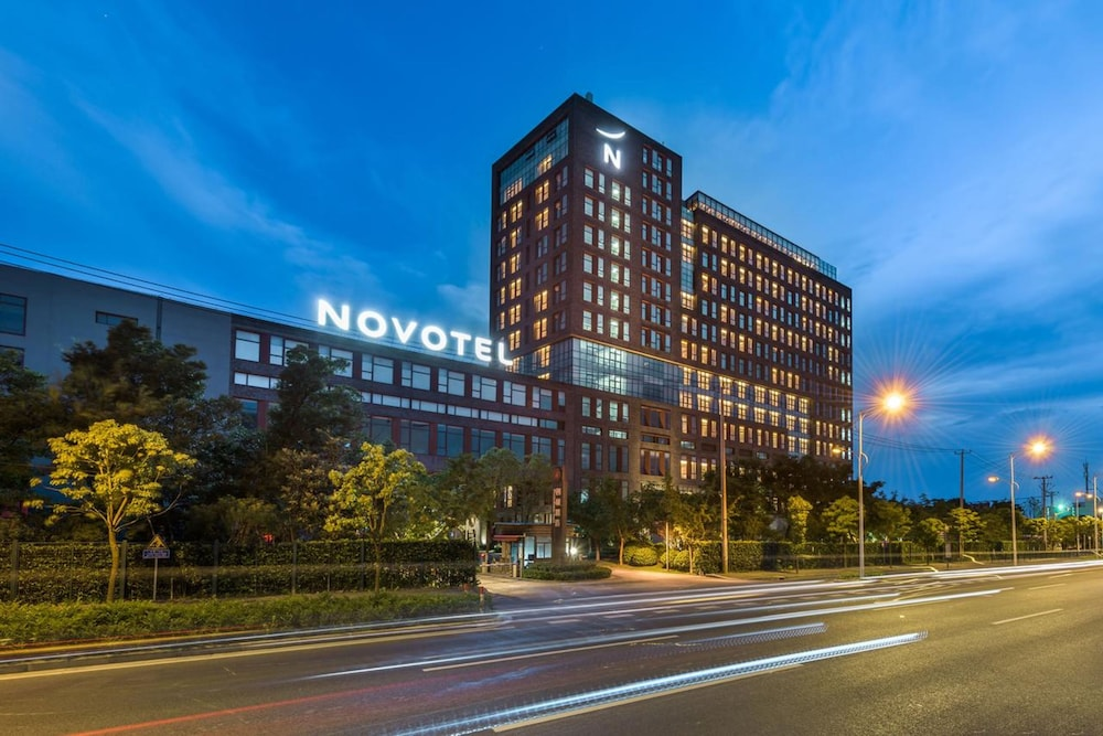 Front of Property - Evening/Night, Novotel Shanghai Clover