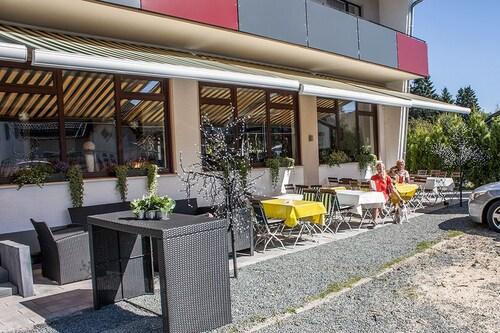 Aktiv hotel winterberg winterberg deu expedia - Foto buitenkant terras ...