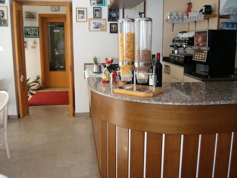 Hotel villa carla deals reviews grado ita wotif for Hotel meuble villa patrizia grado