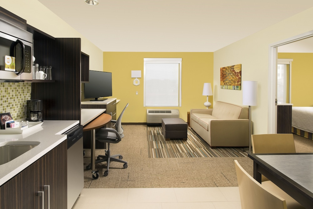 Room, Home2 Suites by Hilton Denver International Airport