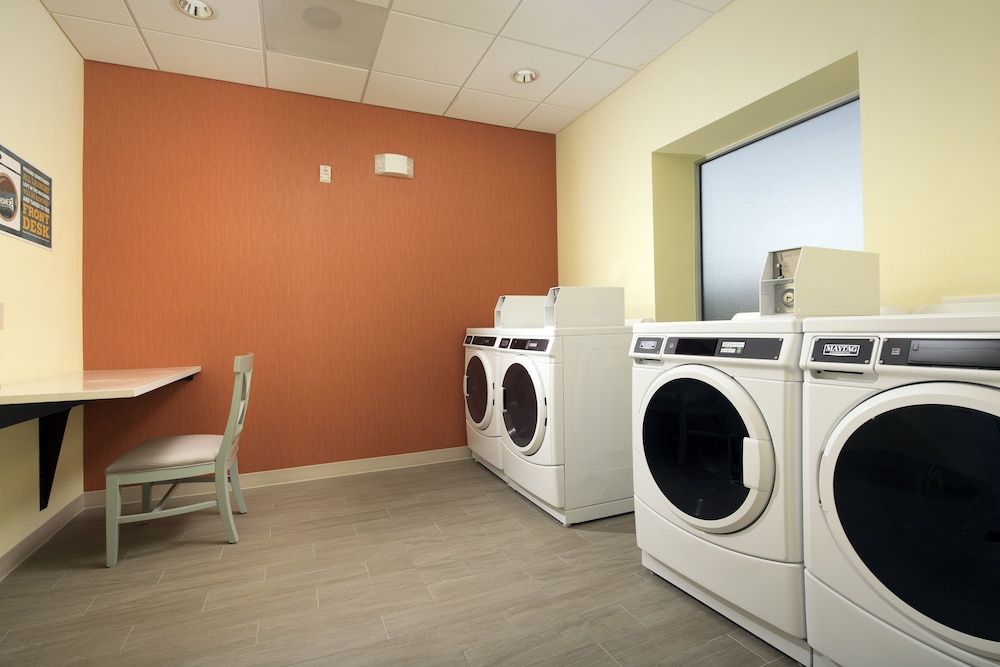 Laundry Room, Home2 Suites by Hilton Denver International Airport