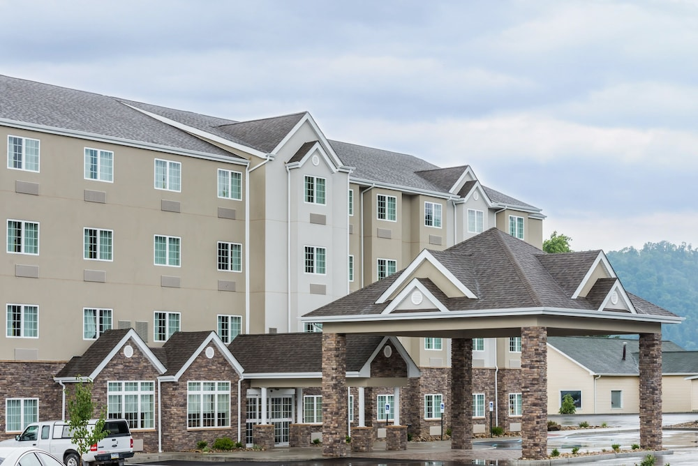 Front of Property, Microtel Inn & Suites By Wyndham New Martinsville