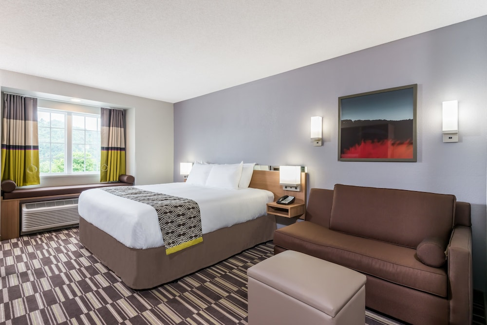 Microtel Inn Suites By Wyndham New Martinsville In Hotel Rates Reviews On Orbitz