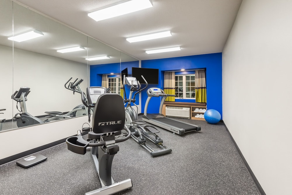 Fitness Facility, Microtel Inn & Suites By Wyndham New Martinsville