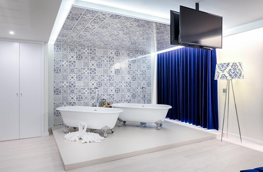 hotel cristal porto porto portugal. Black Bedroom Furniture Sets. Home Design Ideas