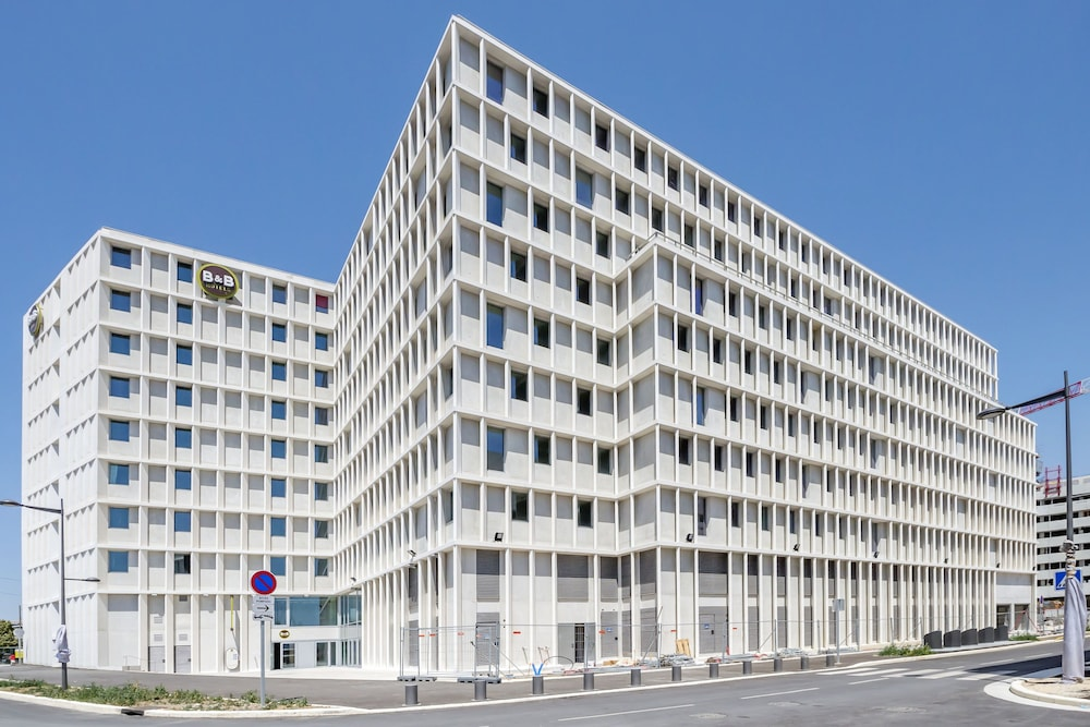 B b hotel marseille les ports 2017 room prices deals for Hotels marseille