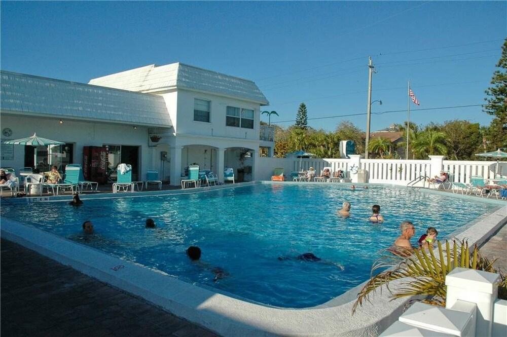 Island House Resort Sarasota Fl