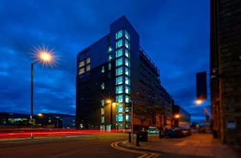 7 Ducie St, Manchester M1 2JB, England.