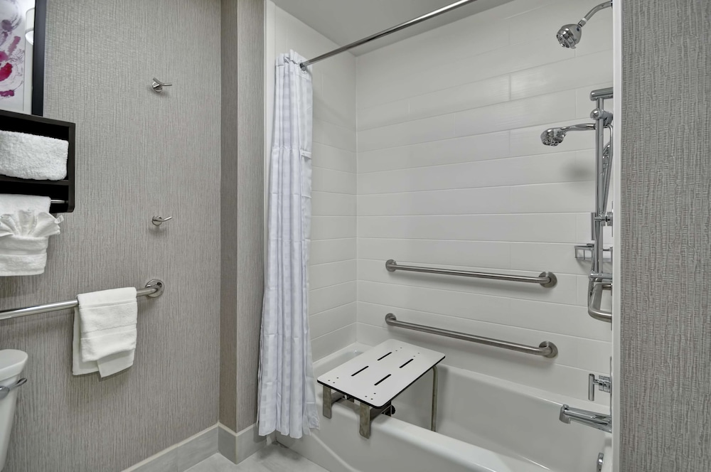 Bathroom, Homewood Suites by Hilton Tyler