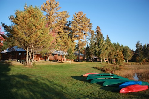 Lake Parlin Lodge & Cabins