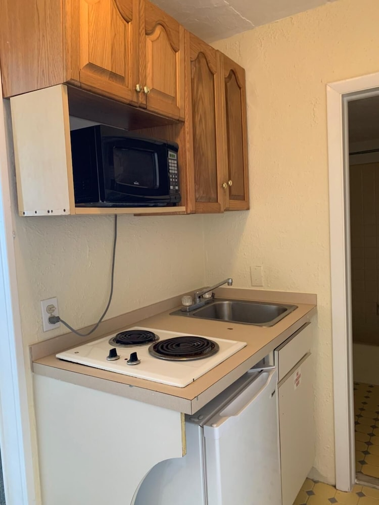 Private Kitchen, Oceanview Motel