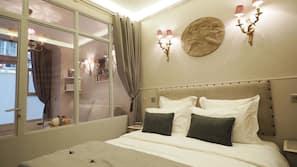 Premium bedding, in-room safe, iron/ironing board