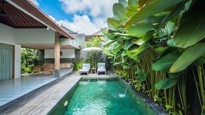7 outdoor pools