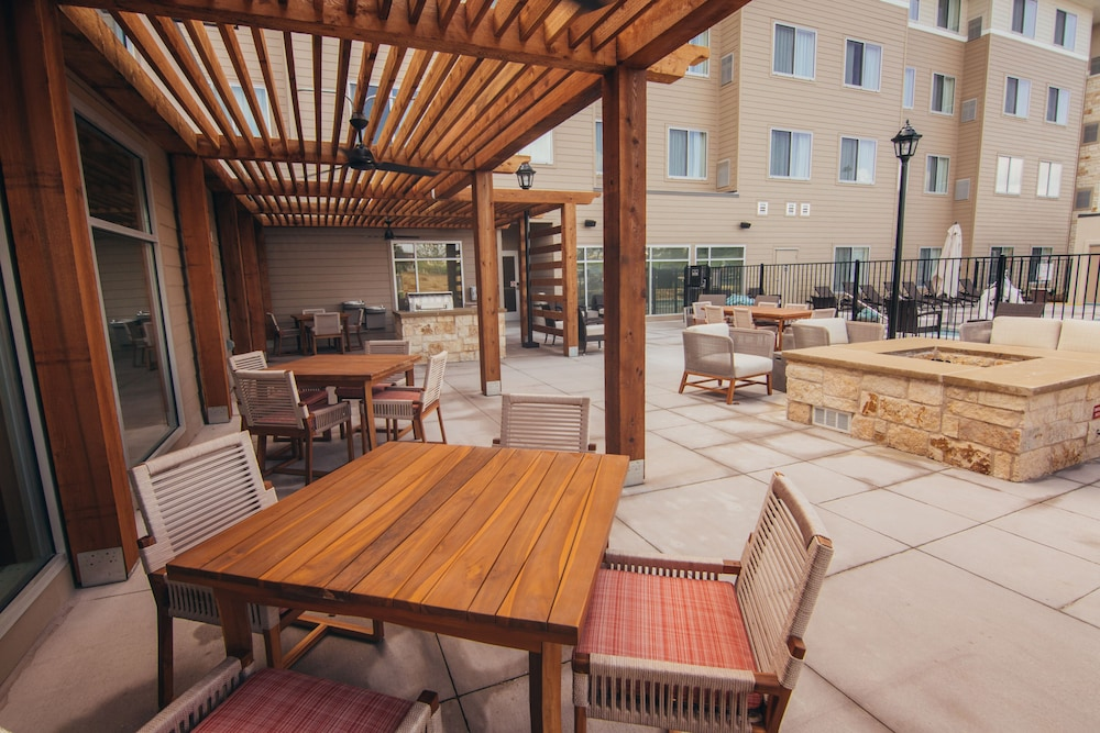 BBQ/Picnic Area, Residence Inn by Marriott Austin Airport