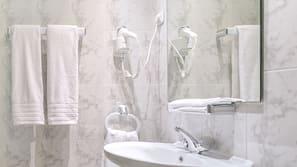 Artículos de higiene personal gratuitos y toallas