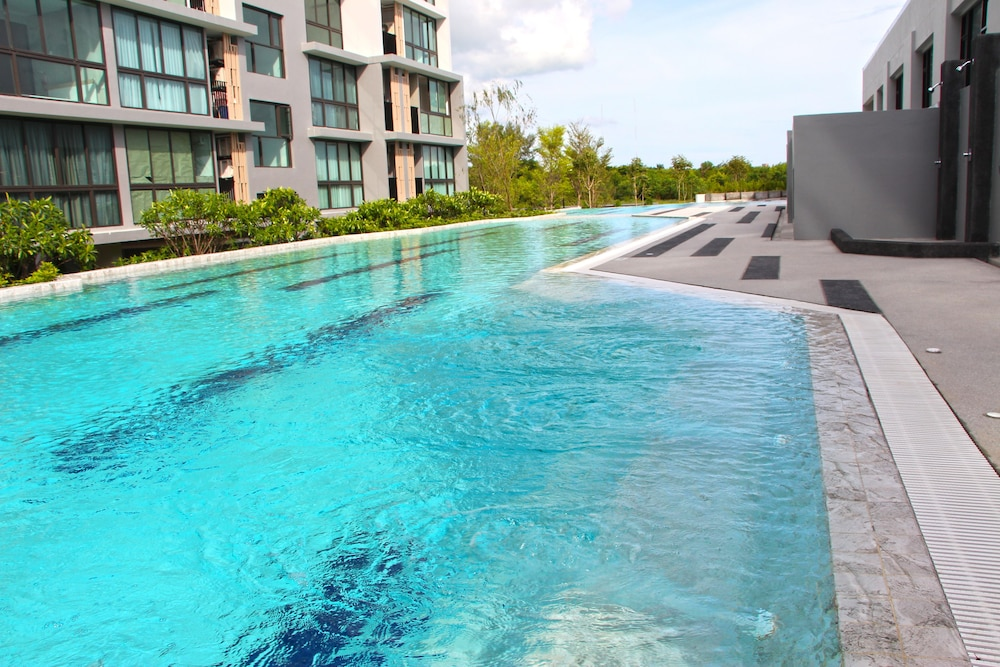 Outdoor Pool, Connext Residence