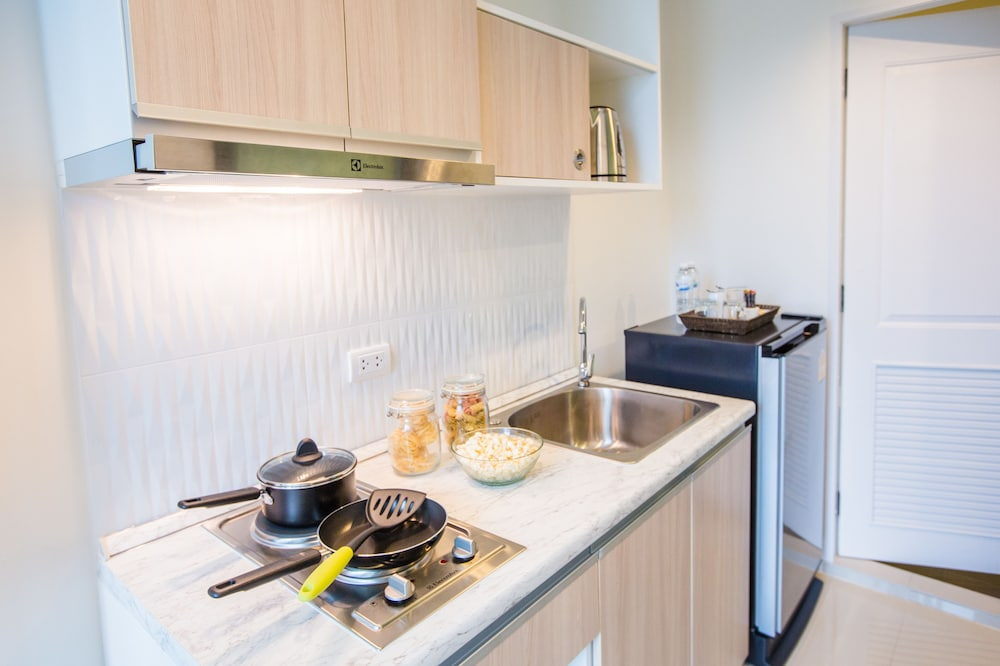 Private Kitchen, Connext Residence
