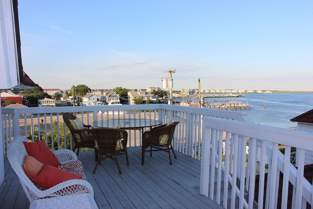 Book tavern on the bay resort somers point hotel deals for 19 terrace ave jersey city nj