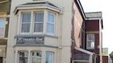 Number Twenty-Five Guesthouse - Blackpool Hotels
