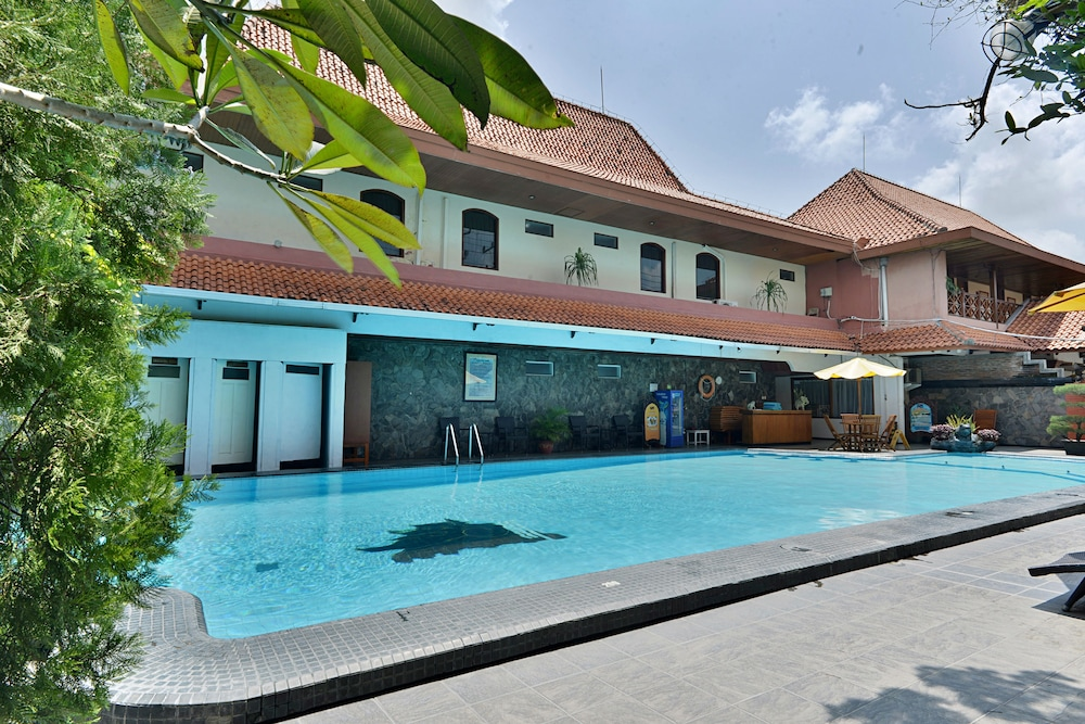 Book Zen Rooms Jogja Cendrawasih Depok Hotel Deals