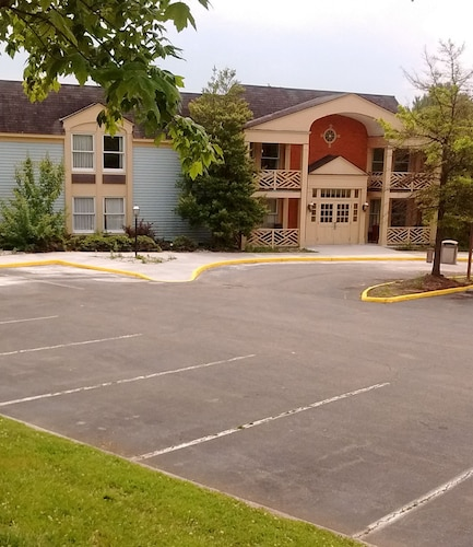 Great Place to stay New River Inn and Suites near Radford