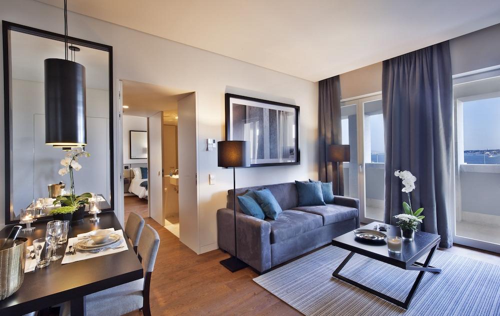 Lisbon Five Stars Apartments 8 Building Deals & Reviews ...