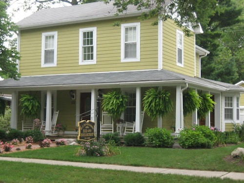 Old Towne Carmel Bed and Breakfast