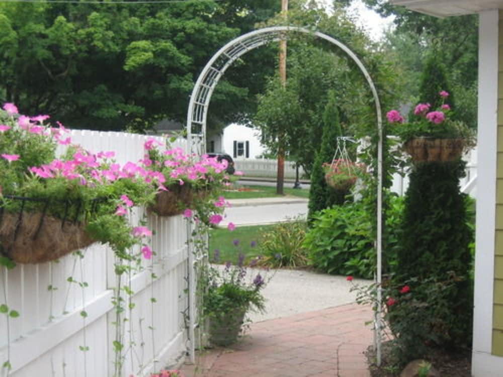 Property Grounds, Old Towne Carmel Bed and Breakfast