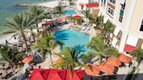 Hampton Inn & Suites by Hilton Clearwater Beach - Clearwater Beach Hotels