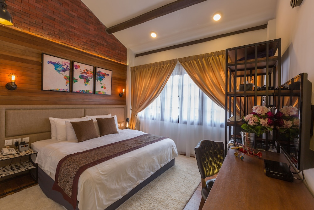 Reunion Heritage House In George Town | Hotel Rates U0026 Reviews On Orbitz