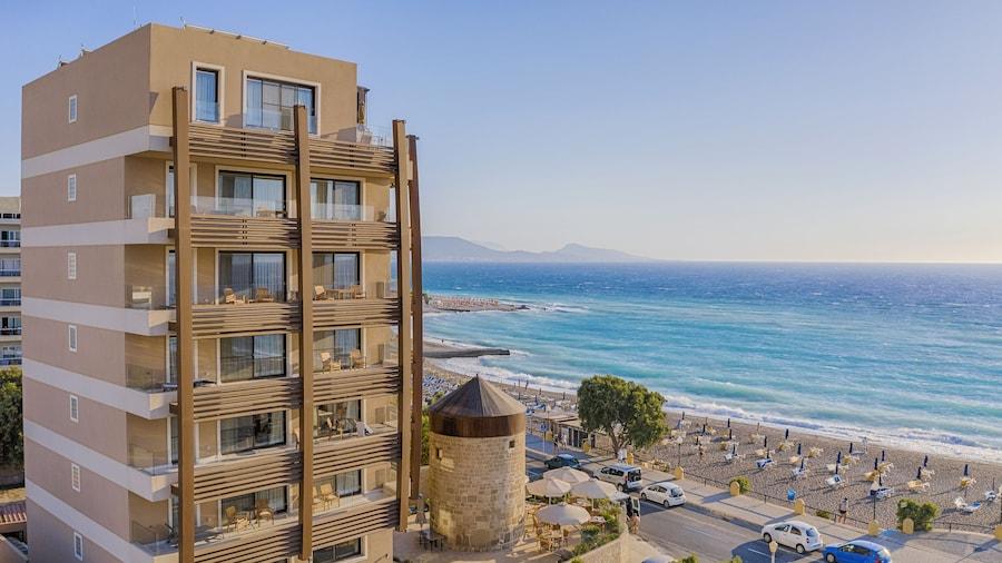 Bellevue On The Beach Suites