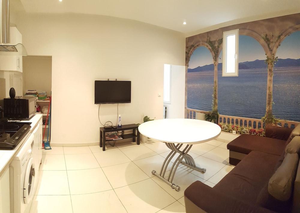 appartements design marseille capucins marseille france. Black Bedroom Furniture Sets. Home Design Ideas