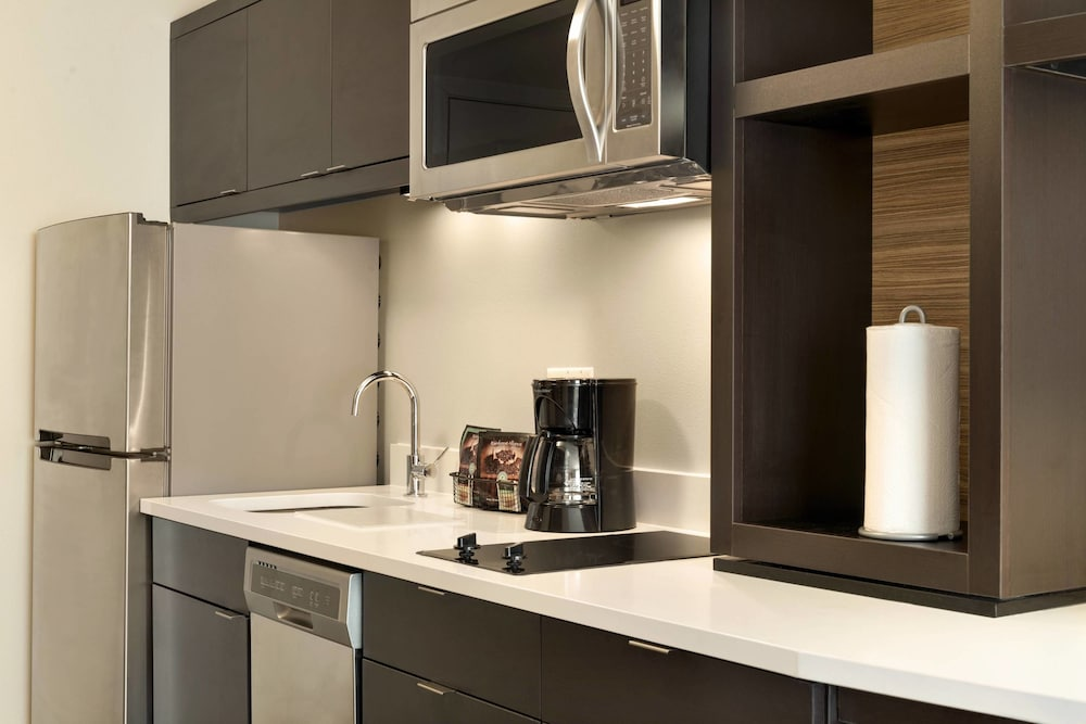 Private Kitchen, TownePlace Suites Pittsburgh Airport/Robinson Township