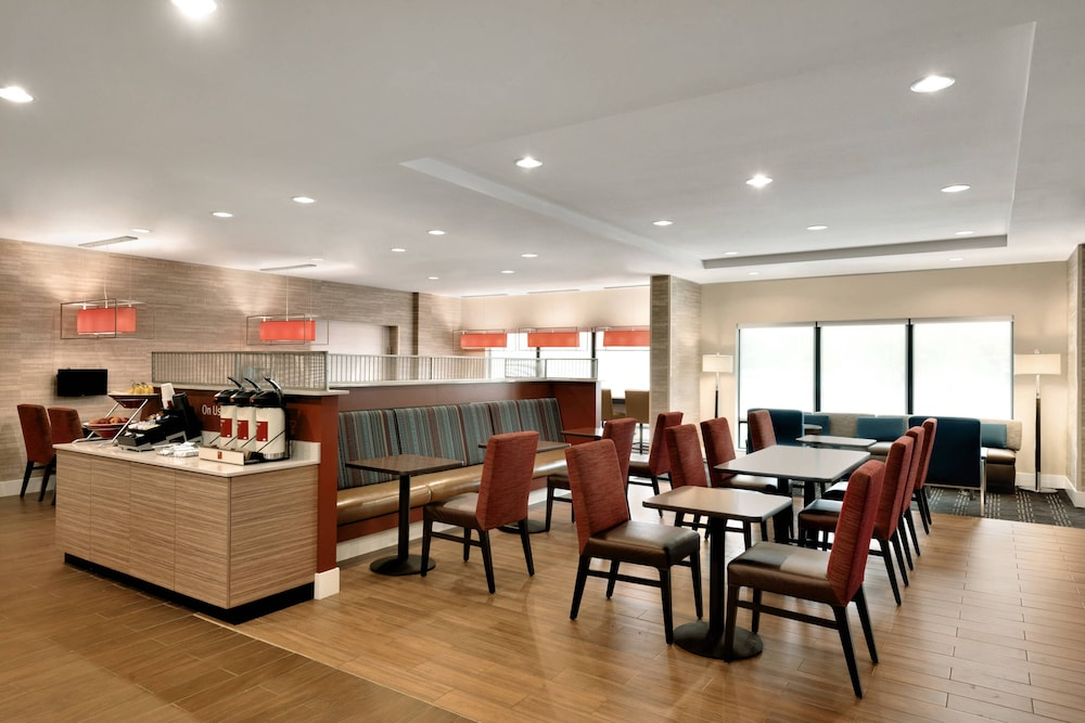 Dining, TownePlace Suites Pittsburgh Airport/Robinson Township
