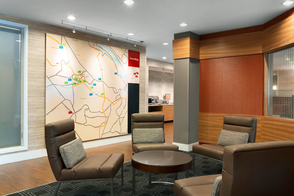 Lobby Sitting Area, TownePlace Suites Pittsburgh Airport/Robinson Township